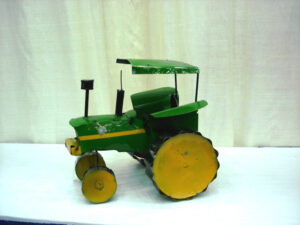 TIN-801 MED GREEN TRACTOR