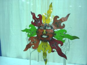 TIN-652 SM TIN COLORFUL SUN FACE