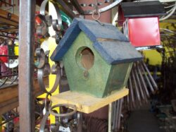 BRD-012 MED HANGING WOODEN BIRD HOUSE